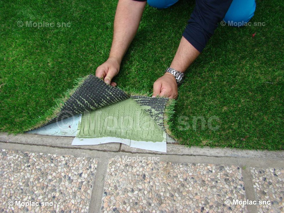 La posa dell erba sintetica è piuttosto semplice e necessario