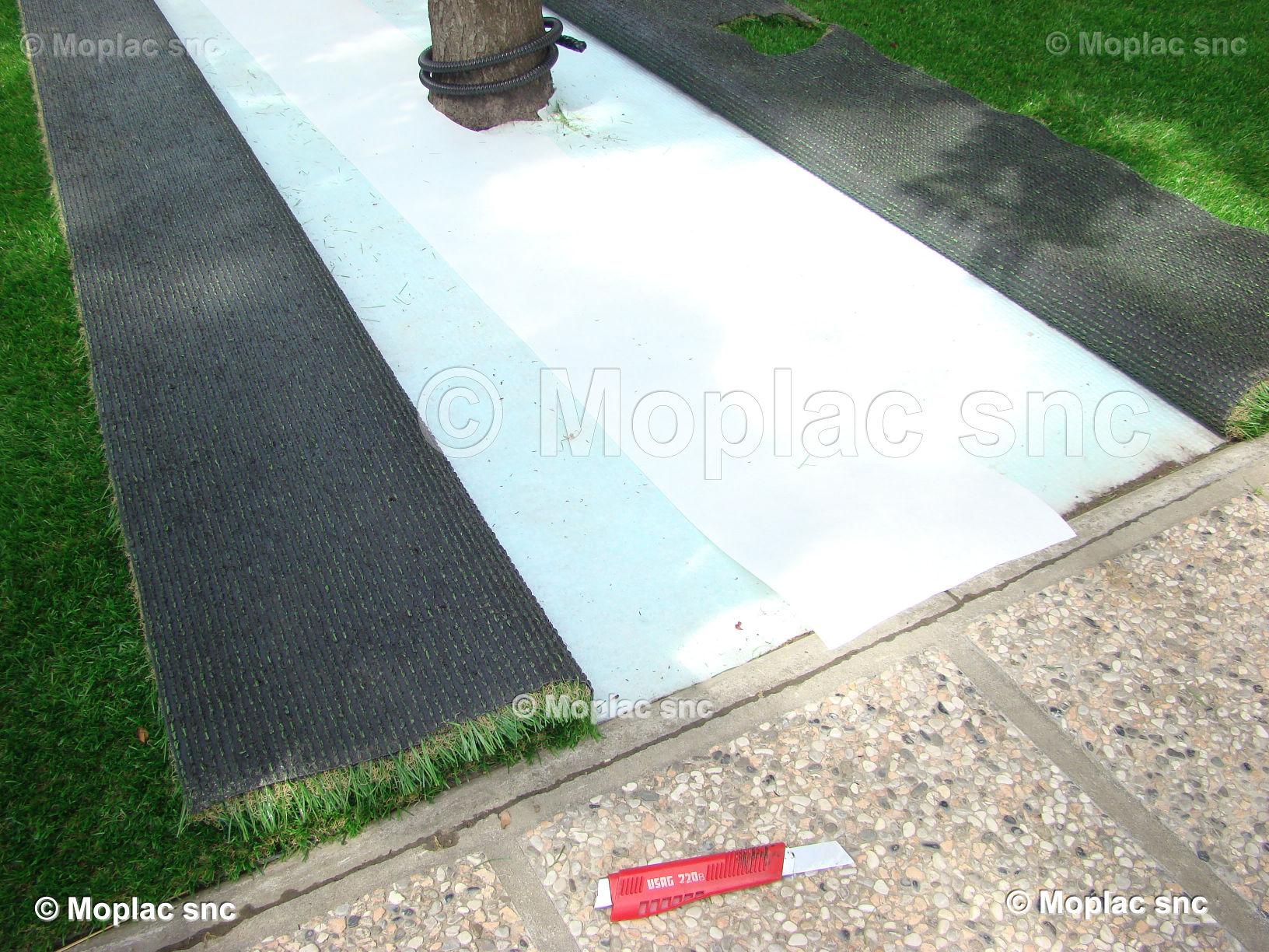 Erba sintetica terrazzo drenaggio confortevole soggiorno - Erba vera sul terrazzo ...